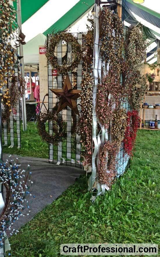 Wreath Display Craft Shows Vintage Markets Pinterest Display