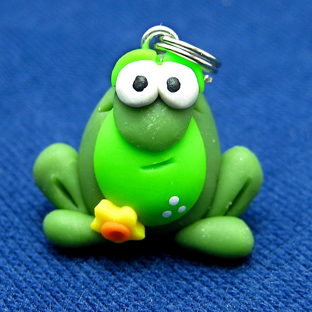 clay frog charm by Clayin' Around