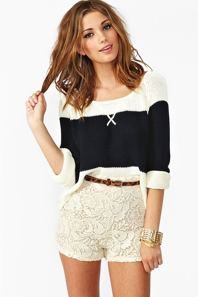 Casual cutie! Woollen black and white shirt that finishes at the elbow is so stylish and casual! The little white now at the top completes it in cuteness. The lace shorts are a high cut and finish short but the little cheetah print belt is different to the rest if the outfit but looks fab especially with the bracelet! ☮