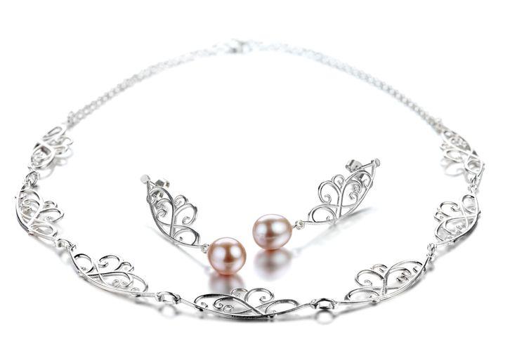 Carina Blomqvist, Carla necklace and earrings, http://www.carinablomqvist.fi/