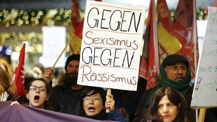 """<p>07/01/2016/Manifestación contra el abuso sexual producido en Colonia durante la celebración del Año Nuevo / Reuters / Wolfgang Rattay Una de las víctimas viajó a Colonia para disfrutar de los fuegos artificiales durante las celebraciones de Año Nuevo. """"Los dos…</p>"""