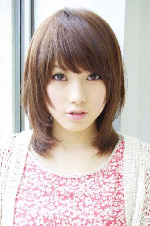 Asiatische kurze Frisuren mit Side Bangs