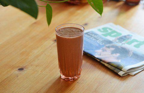 Recept Goedemorgen Smoothie Begin vooral de dag met een gezonde smoothie! Smoothie abrikozen, tarwekiemen, aardbeien, hennepzaad, en rucola. Smaakvol en gezond! Zit vol vitamines, vezels en bouwstoffen om de dag goed te beginnen! Een fijne dag gewenst!