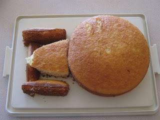 5 daughters: Star Trek Enterprise Cake. Looks totally doable!