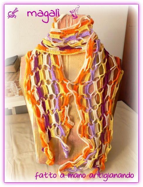 magalì : una sciarpa arlecchino lunga e particolare...