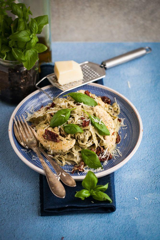 pasta med kyckling och pesto