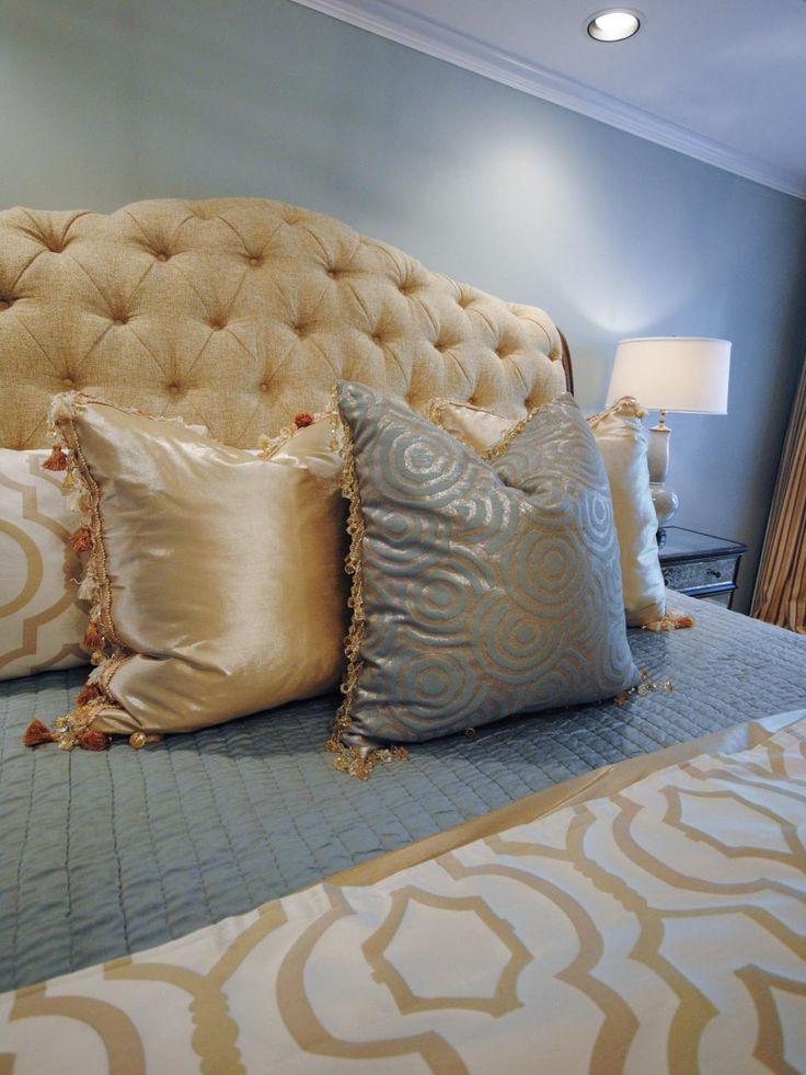 Smokey Blue Bedroom: Masculine Mature Color Combination: Smokey Pale Blue W
