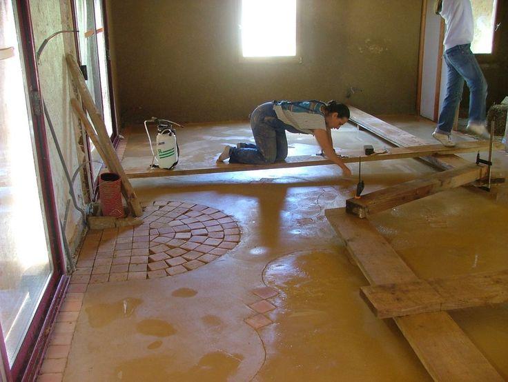 notre maison en paille: Dalle en terre crue !