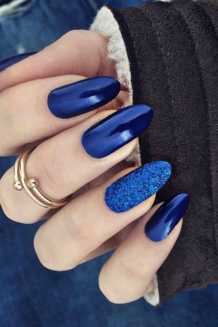 Маникюр в синем цвете (42 фото)