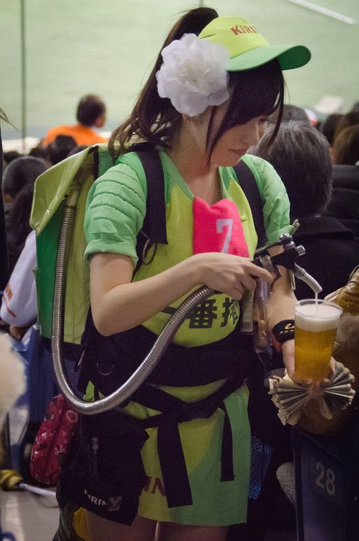 The beer delivery girls at a Japanese baseball game pour fresh draught beer right at your seat. More photos from a Japanese baseball game -- Yomiuri Giants spring training at the Tokyo Dome.