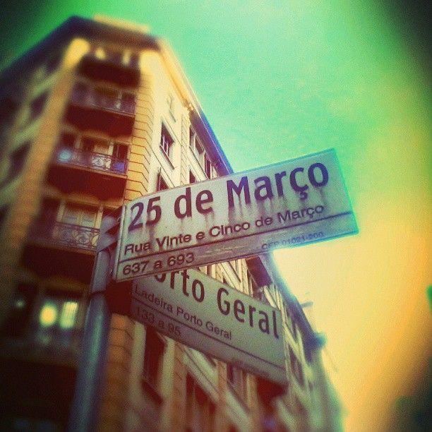 Rua 25 de Março em São Paulo, SP
