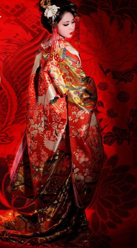 Traditional Embroidered Cranes Japanese Wedding Kimono and Headpiece for Brides