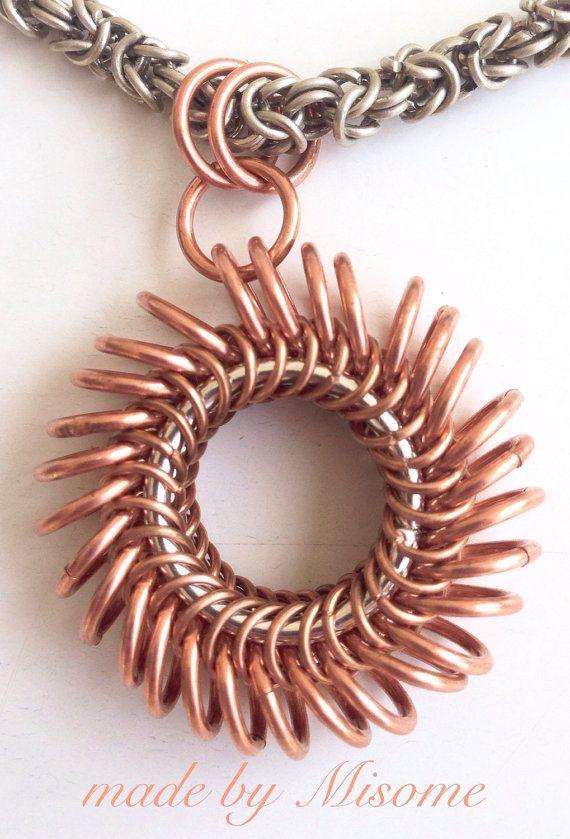 Colgante de cota de malla de cobre de masa