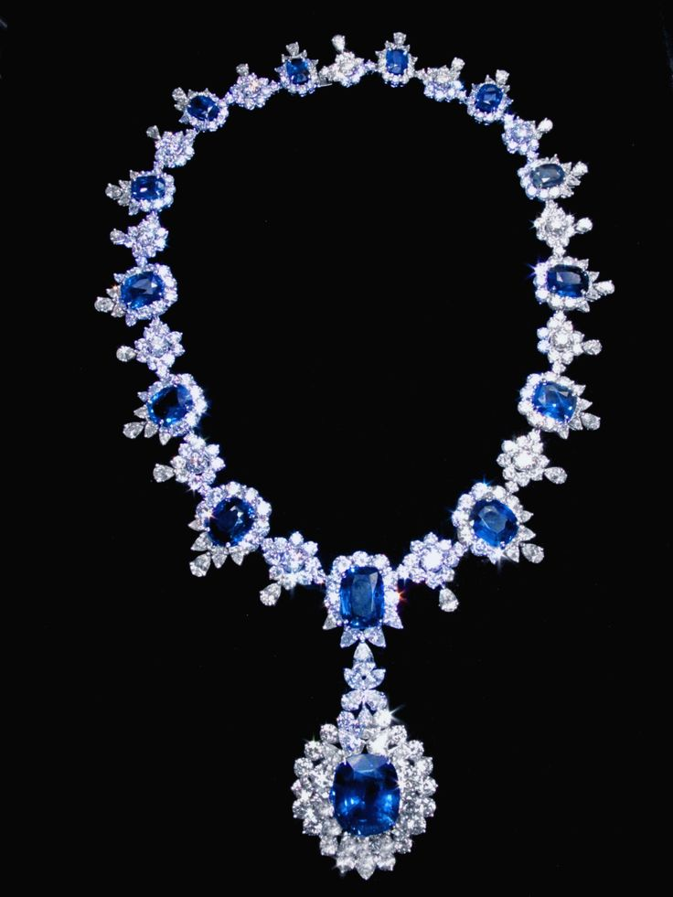 big+sapphire+necklace | 194.68 carat sapphire & diamonds big necklace white gold 14K jewelry