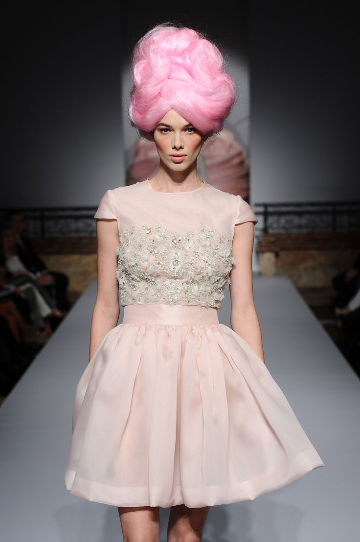 sweetest dress/cotton-candy hair/wig