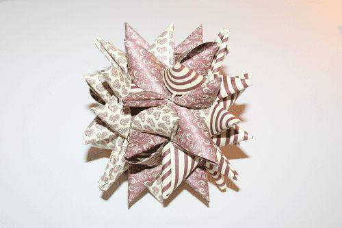 Store julestjerner flettet af stjernestrimler