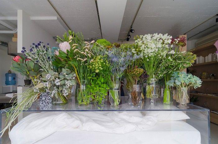 店名の「bedroom」は、花を通して、自由な夢を見る空間から連想して名付けられたという。空想的でどこか物語を連想させるものを花で表現することが得意な篠崎さんらしいネーミングだ。