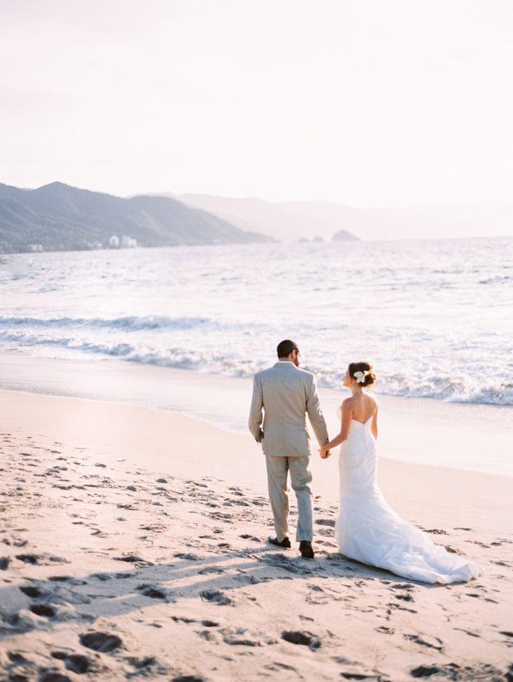beach weddings in orange county ca%0A Best     Beach wedding photography ideas on Pinterest   Beach wedding  photos  Weddings at the beach and Wedding poses