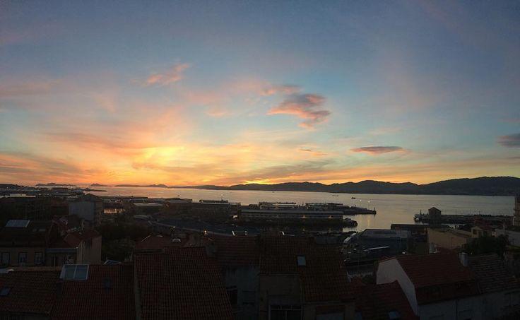 Atardecer ahora mismo en Vigo. No es un cuadro?