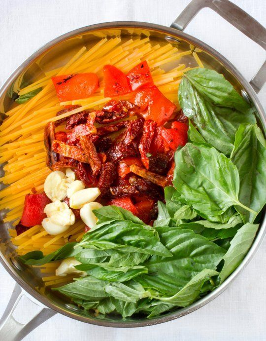 One-Pot Pasta Recipe: Linguine with Roasted Red Peppers, Sun-Dried Tomatoes