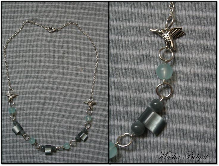 """Collar corto color plata, con cristales y piedras decorativas """"Little birds"""" $150 MXN"""