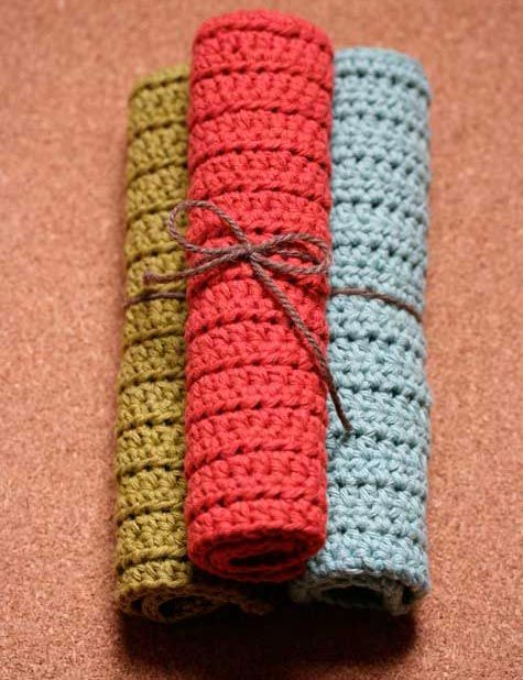My favorite crochet dishcloths, add a single crochet border. DesignSponge tutorial