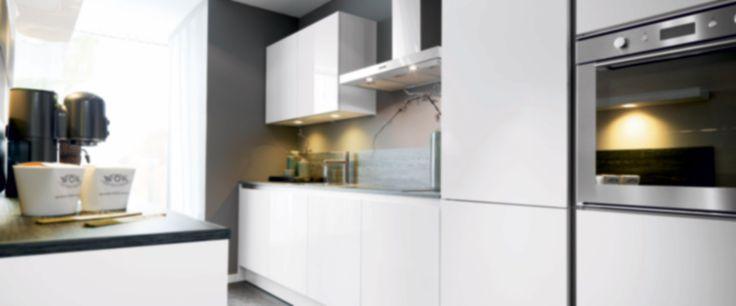 Naast het uitzoeken van een nieuwe keuken kunt u er natuurlijk ook voor kiezen om uw bestaande keuken te laten renoveren. Kom langs bij Voortman Keukens.