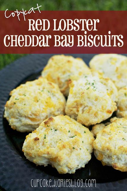 Copycat Red Lobster Cheddar Bay Biscuits - SO easy to make and they taste just like (or better than) the original!   cupcakediariesblog.com (pinned over 4,000 times)