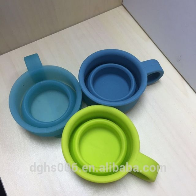 Source tiny Portable foldable Silicone Baby Food Storage Container with Handle Non-Slip Snack training Cup on m.alibaba.com