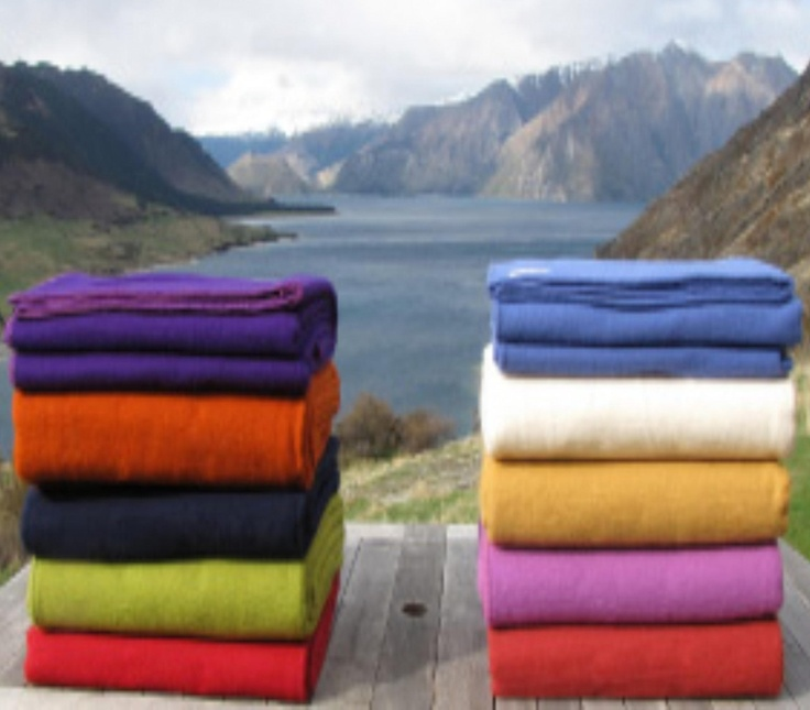New Zealand Lambswool Blankets from Campaign for Wool NZ Brand Partner Exquisite Blankets!