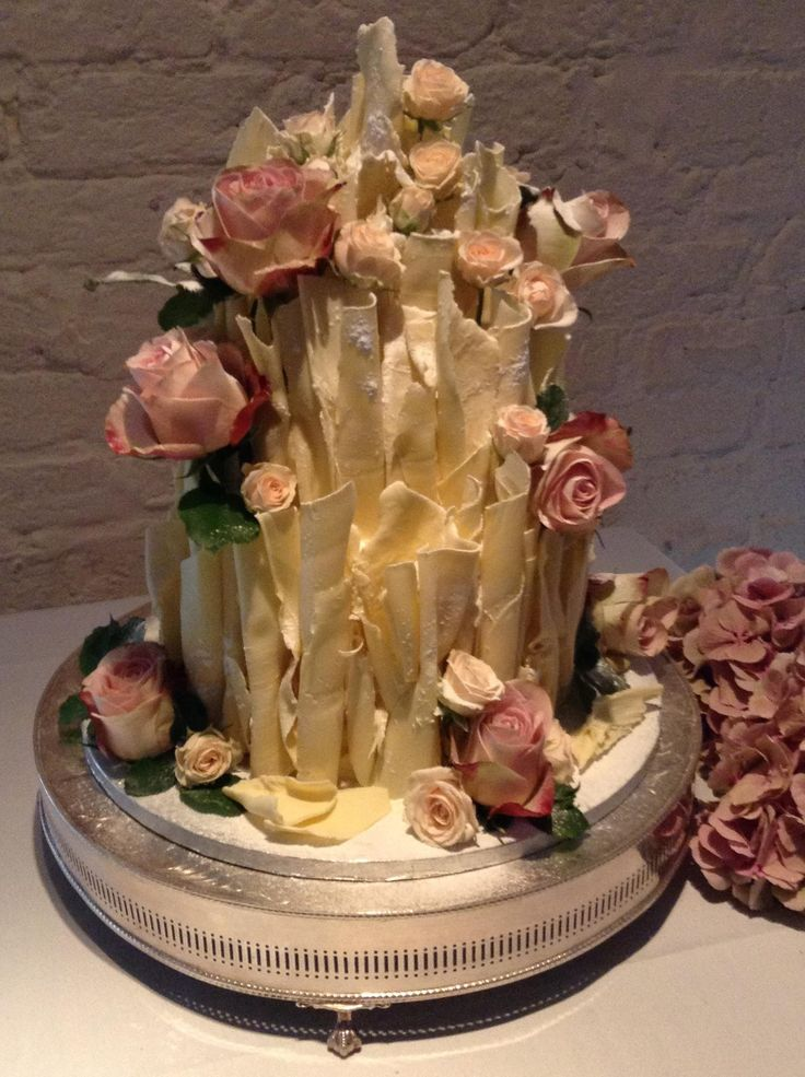 white and chocolate wedding cake 25 best ideas about scroll wedding cake on 27203