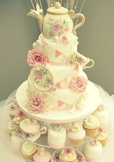 Katie's Cupcakes - Vintage Tea Party Cake