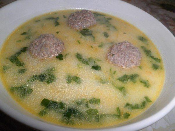 Фото к рецепту: Сырный суп с фрикадельками.