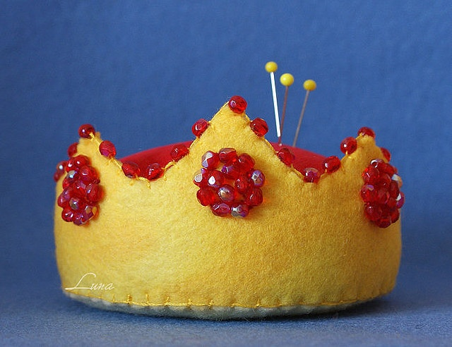 Crown Pincushion