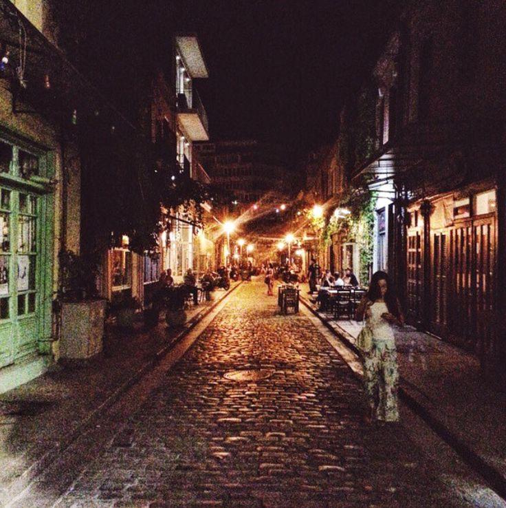 Old town feels 〰 Ladadika Saloniki, Greece. #thessaloniki #ladadikasaloniki #greece #summer #vacation #travel