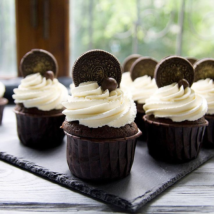 Шоколадные,с малиновым курдом и сливочным кремом с маскарпоне Рецепт шоколадных капкейков по тегу #murrrrr_рецепт .Рецепт курда в комментариях ⬇️#cake#cakes#sweet#instafood#instadaily#instacake#cakestagram#cakedesign#cakeporm#yummy#delicious#show_me_your_food#foodporn#foodstagram#foodpics#foodstagram#gdetort#bakery#cake_russia_news#vscorussia#vscocam#vscogood#vscodaily#vscobest#vscofood#vscomade#дляhomebakedru#торт#тортназаказсимферополь#chocolatecake