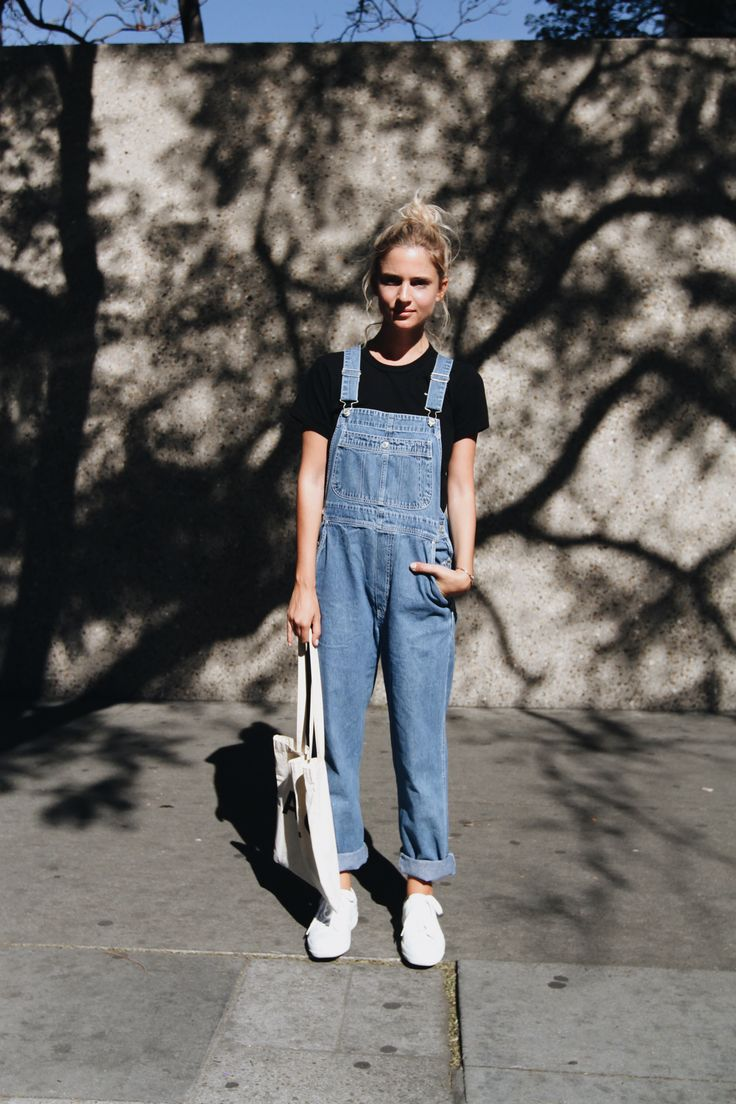 Black t shirt light blue jeans - Comme Des Garcons Heart Tee A P C Bag And Sneakers Vintage Dungarees