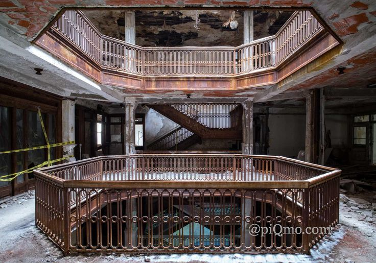 piQmo - Detroit Interiors, Farwell Building