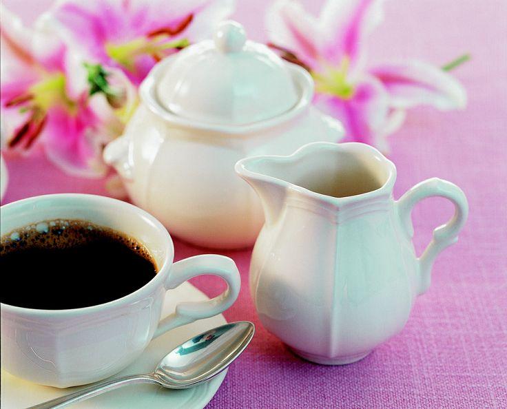 """Piękne filiżanki i zastaw kawowy do Twojej kuchni i jadalni. Odkryj piękno kolekcji """"Petit Blanc"""" Zeller Keramik."""