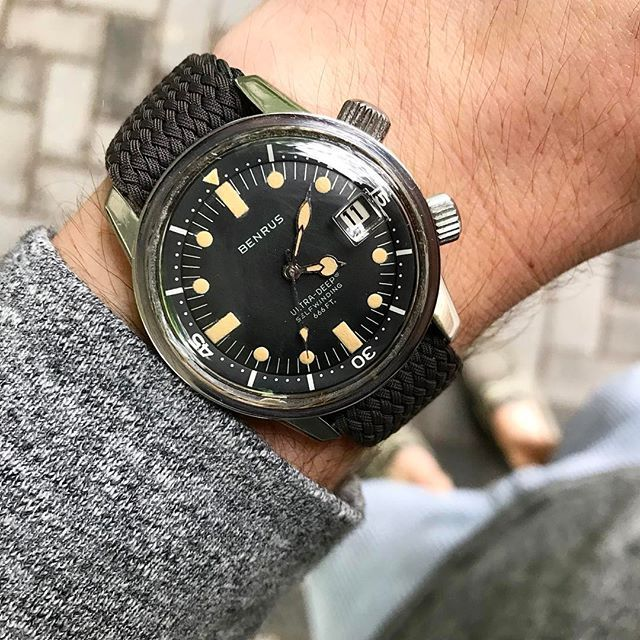 REPOST!!! Benrus Ultra Deep Supercompressor with perfect matching lume & dual hatch crowns anyone? Email or DM if interested 👍🏻 repost | credit: ID @thatwatch_guy (Instagram)