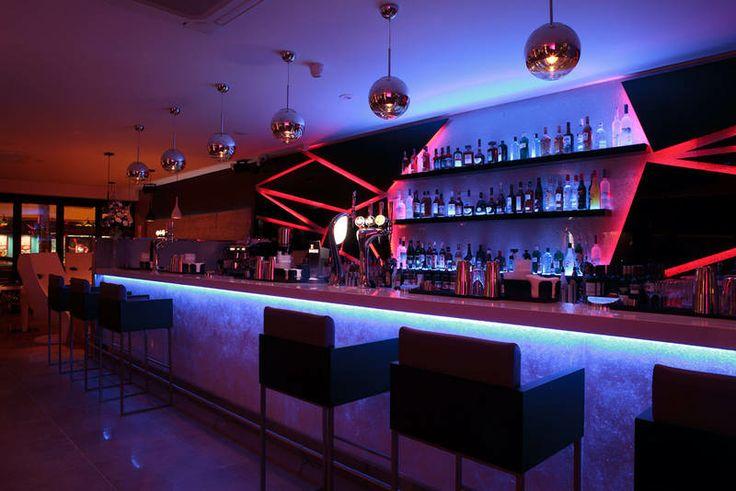 Bar Blanco Rayleigh Essex Interior Design Kent Bar Design - Bar design tribe hyperclub by paolo viera