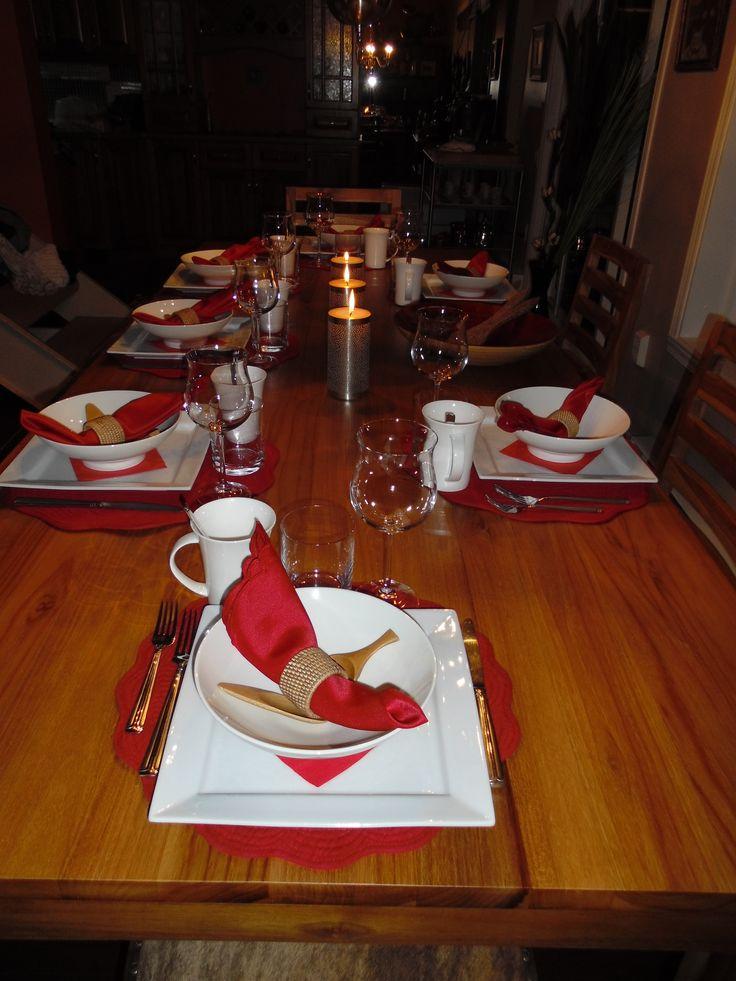 Grande table pour accueillir nos invités.