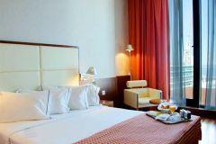 Hotel Lisbonne : Comparez tous les hotels Lisbonne (Portugal) et trouvez le meilleur prix. Plus de 250 sites marchands réunis, hotel Lisbonne pas cher ou de luxe, prix discount avec Jetcost.