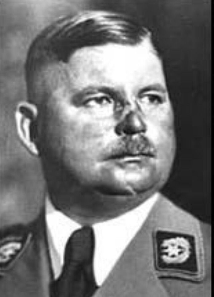 Ernst Röhm (Munich, German Empire, 28 November 1887- Munich, Nazy Germany, 1 July 1934) was a German military officer, an early member of the Nazi Party, a co-founder of the Sturmabteilung (SA), the militia of Nazi Party & later he was its commander, & a friend of Adolf Hitler, the one who could call him by name while the others were forced to call him Mein Führer. Some members of the Nazi Party, including Hermann Göring & Heirich Himmler, convinced Hitler to the need to eliminate Röhm. (…