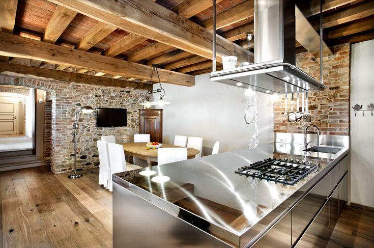 Steel + exposed bricks - realized by Pialorsi Arredamenti, published on Undicilandia