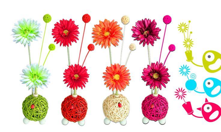 Centro floral aromático Flowerfresh New Ball. Hecho a mano e incluye un botecito de aroma a elegir. Crea tu modelo a tu medida!