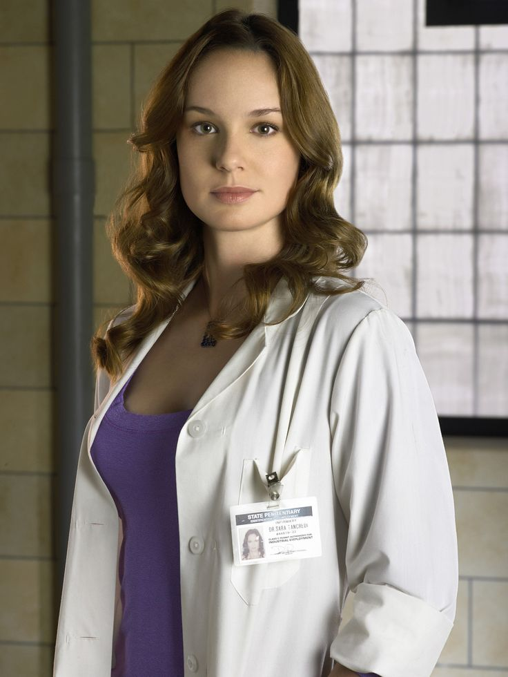 Sarah Wayne Callies as Dr. Sara Tancredi in #PrisonBreak - Season 1