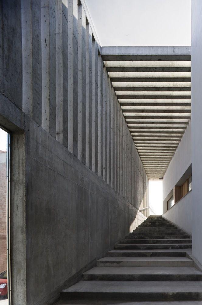 Galería de Centro Cultural y Escuela de Música / Alberich-Rodríguez Arquitectos - 18