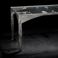Designový průhledný stůl