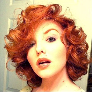 Wish I could do this short and this red!